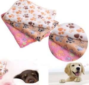 2016-new-40-x-60cm-cute-floral-pet-sleep-warm-paw-print-dog-cat-puppy-fleece_2